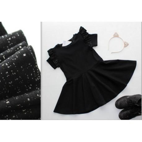 Juoda suknelė su blizgučiais